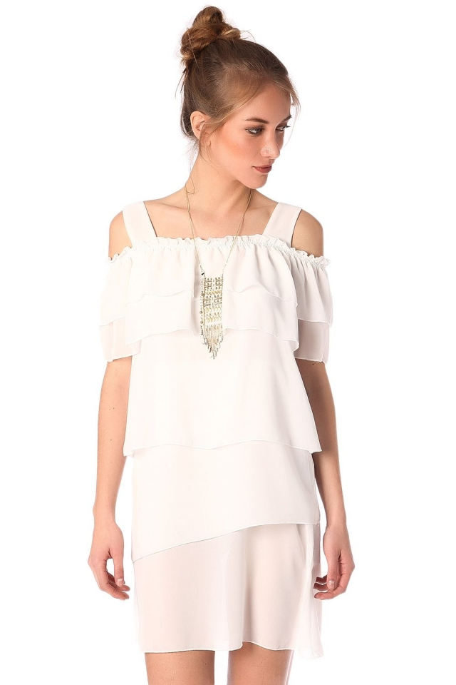 Robe blanc a superpositions multiples