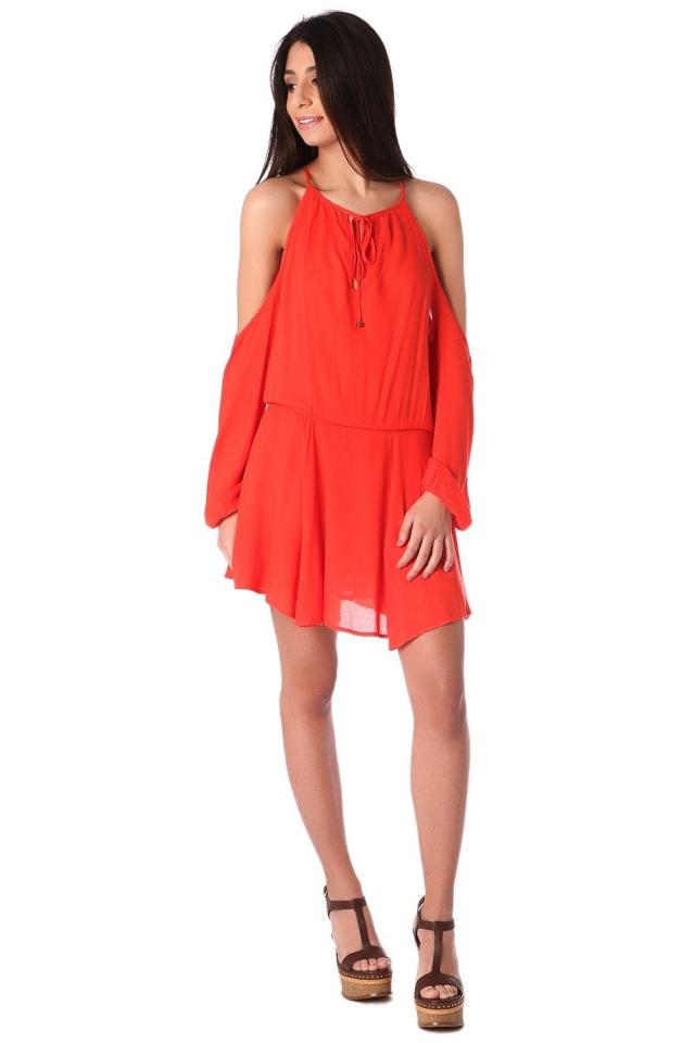 Robe orange à épaules dénudées et encolure montante avec lien à nouer
