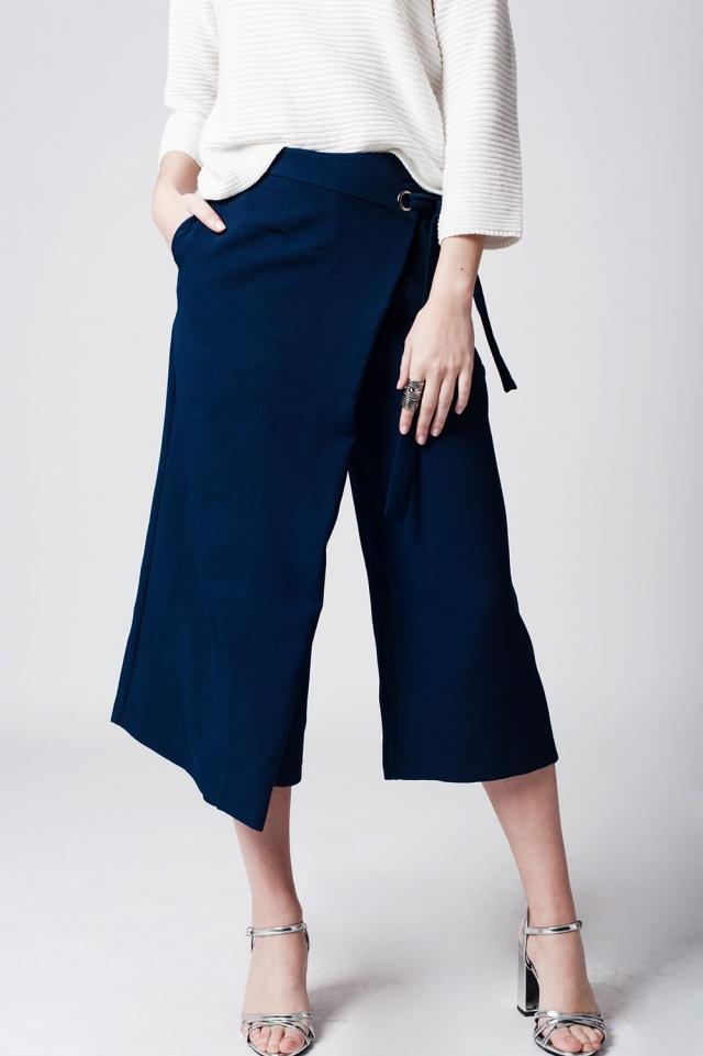 Jupe-culotte bleu marino nouée à la taille