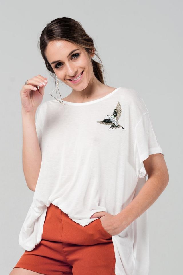 T-shirt blanc oversize avec détails brodés