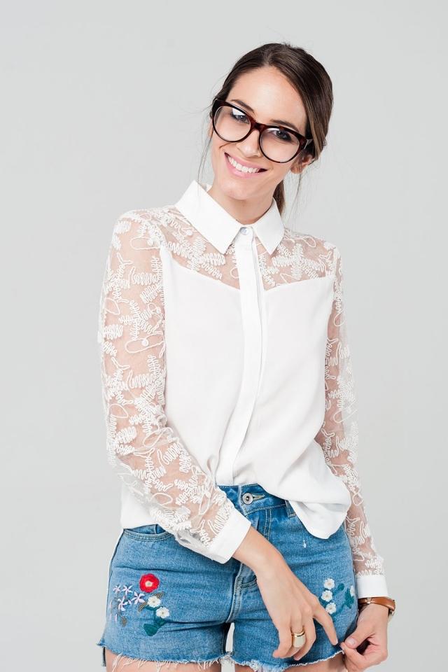 Chemise blanche avec détails dentelle