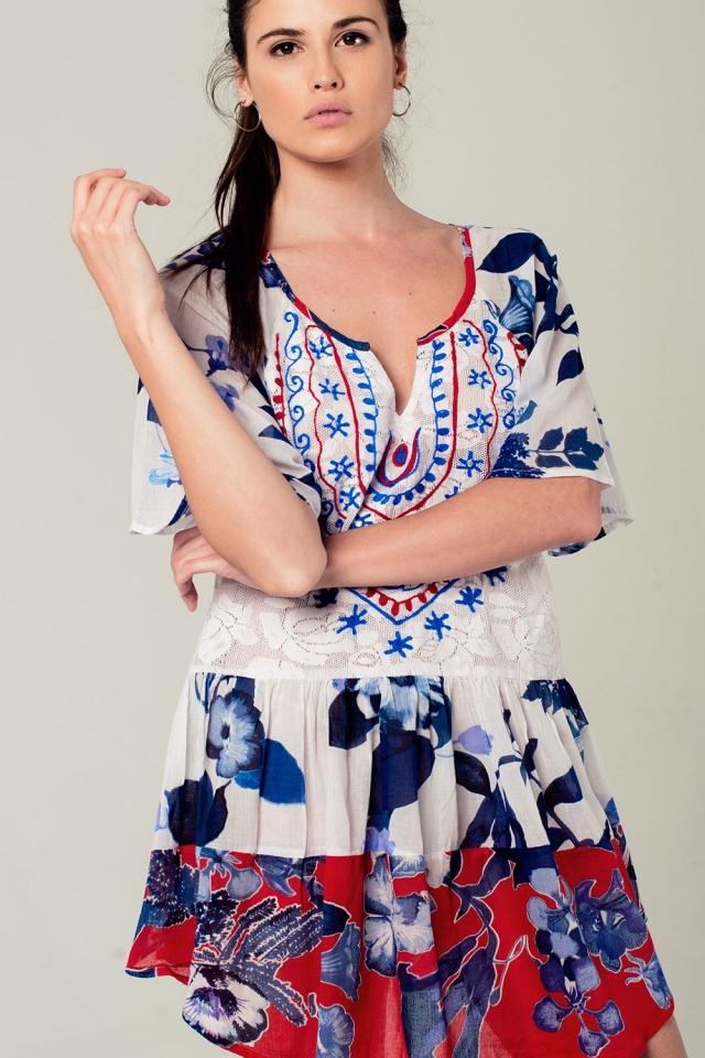 Robe boho floral avec détails brodés