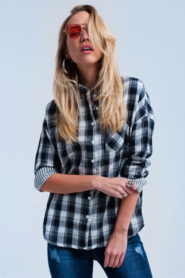 Chemise à carreaux noire
