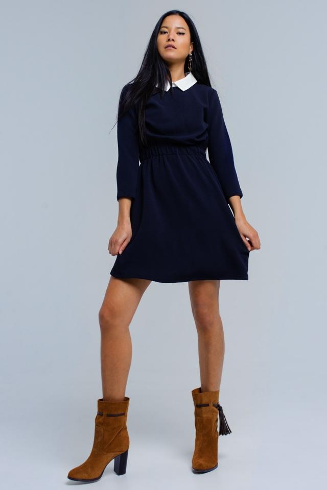 Robe bleu marine avec taille élastique