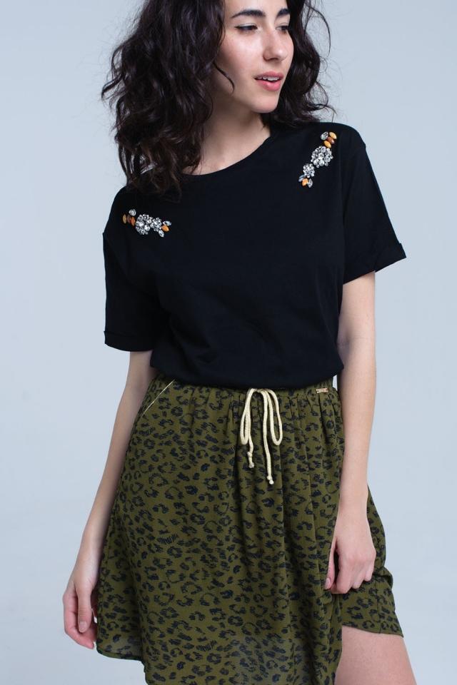 T-shirt noir avec des strass de cristal