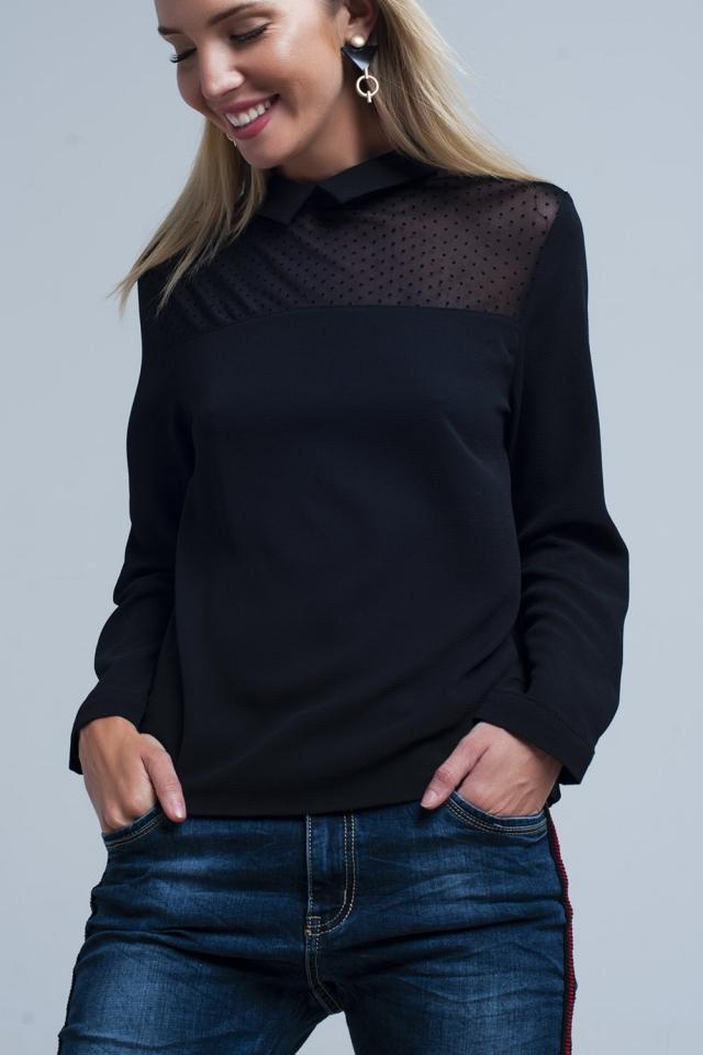 Chemise noire avec détail de pois transparents