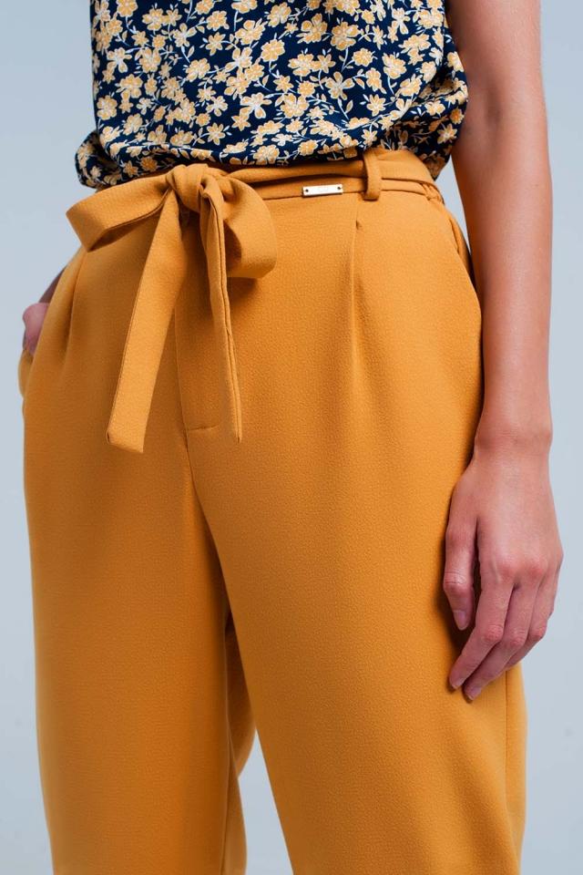 pantalon moutarde taille haute avec ceinture