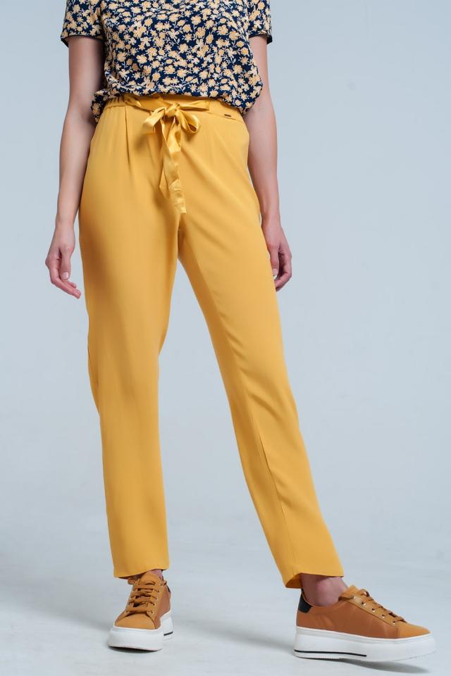 Pantalon moutarde avec Ceinture de satin