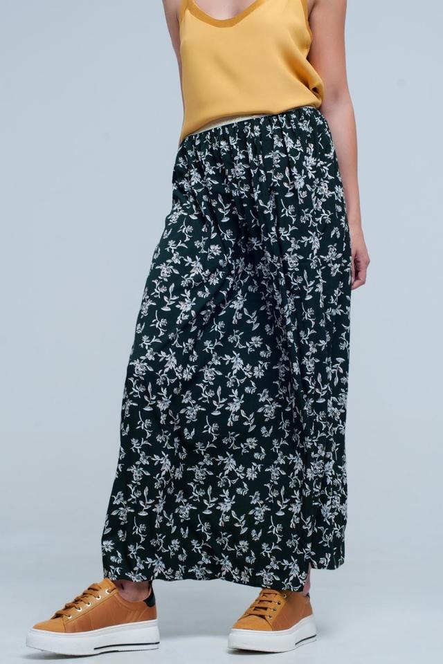 Jupe longue verde avec motif floral