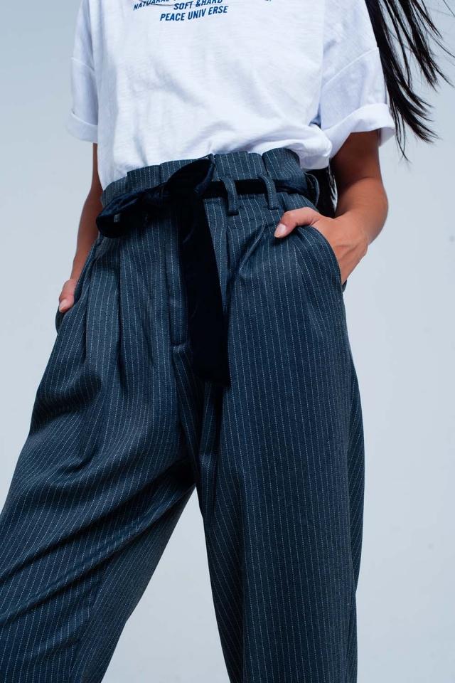 Pantalon de rayé taille haute gris