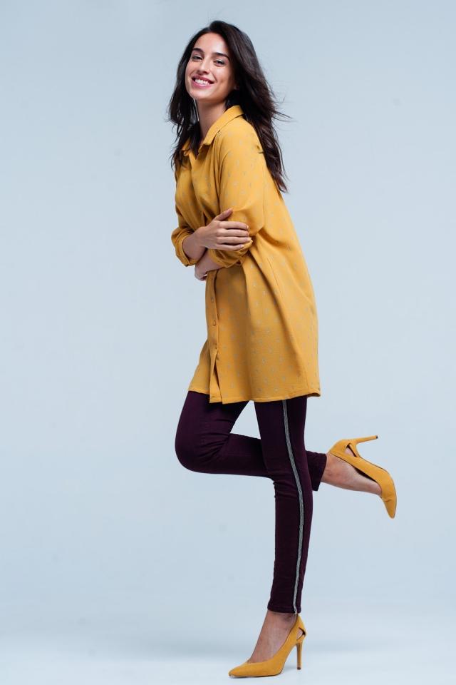 Chemise longue mustard avec de l'argent imprimé