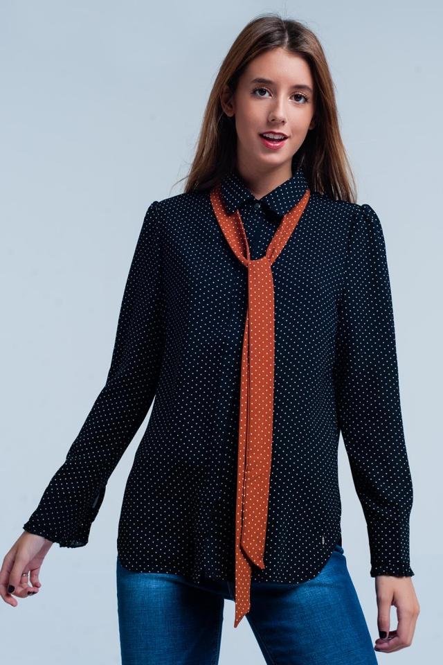 Chemise Noir à pois avec cravate orange