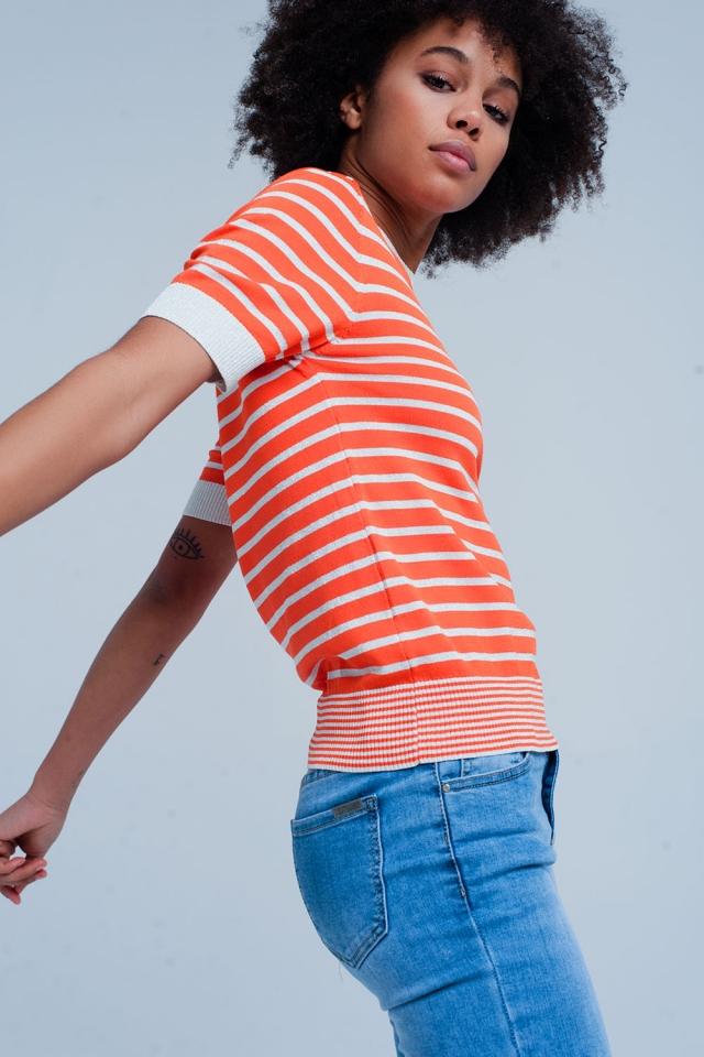 Pull orange à rayures pailletées avec manches courtes
