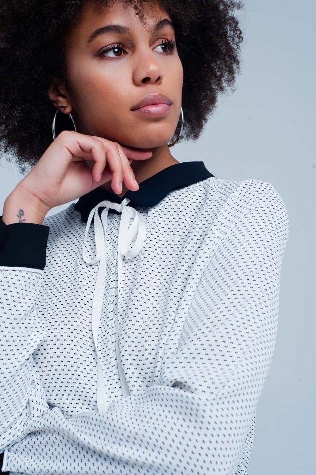 Chemise Blanc avec collier et nœud