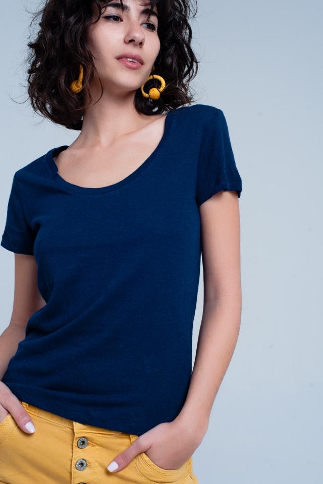 T-shirt couleur marine à encolure large