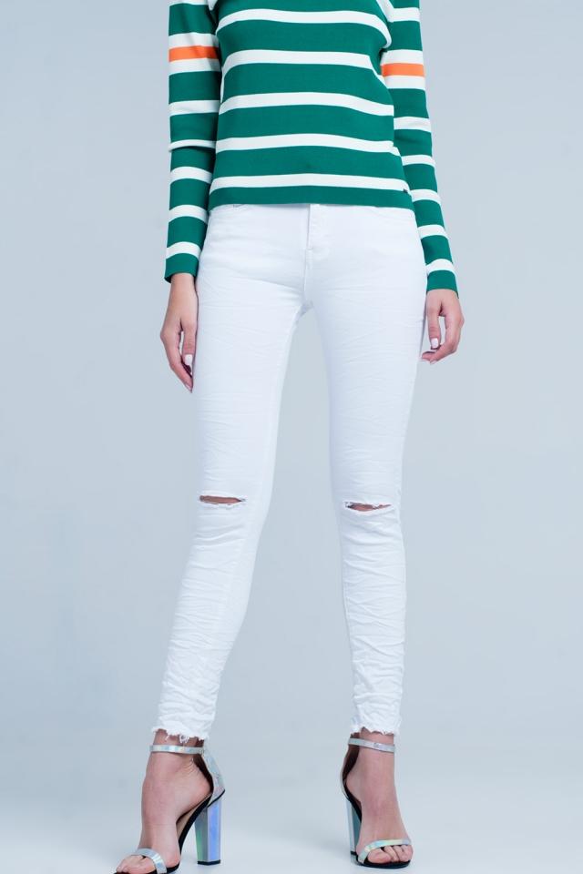 Jean skinny blanc avec détails rippés et plissés