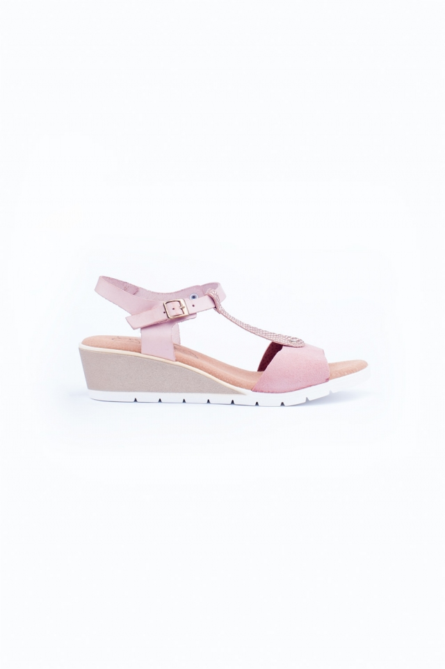 Pink low wedges