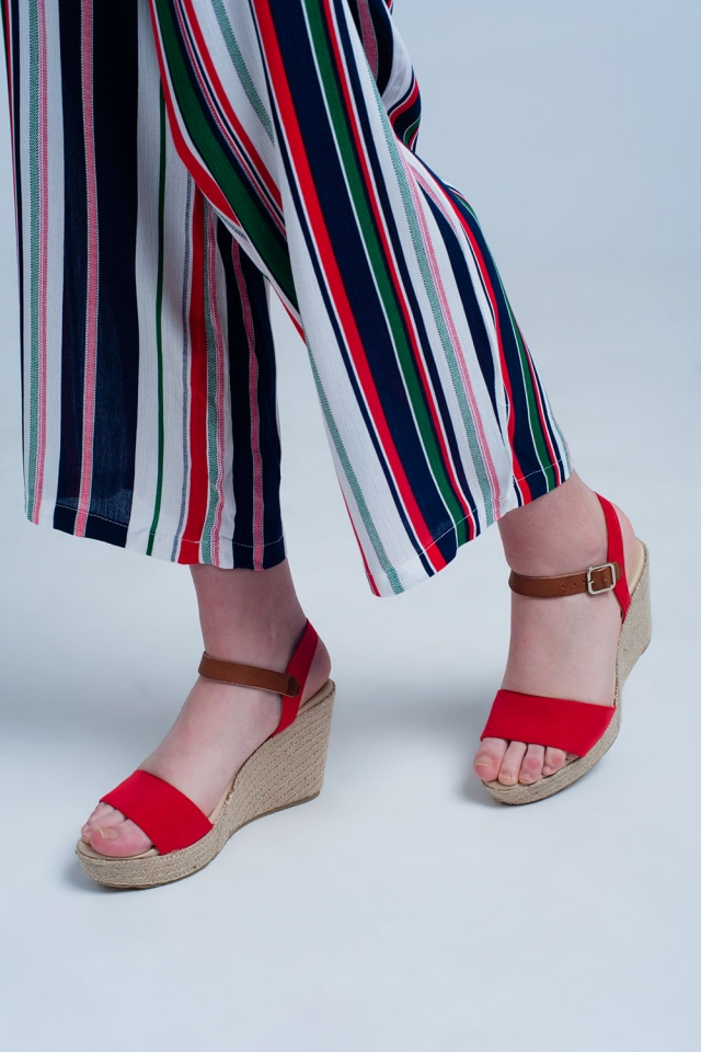 Sandales à boucle style espadrilles rouge