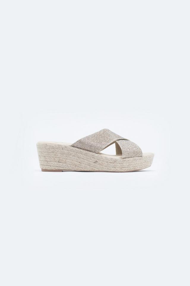 Sandales croisées en cuir motif couleur or