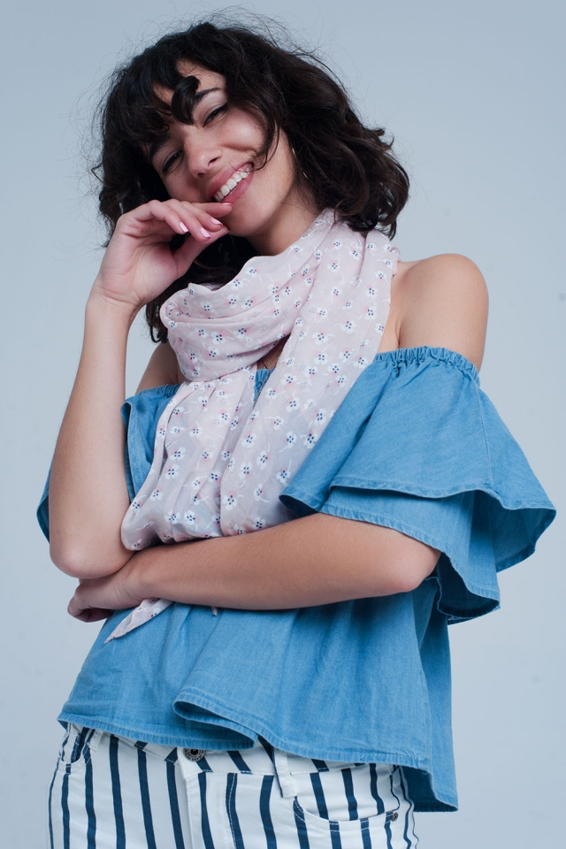Pink scarf with flower print