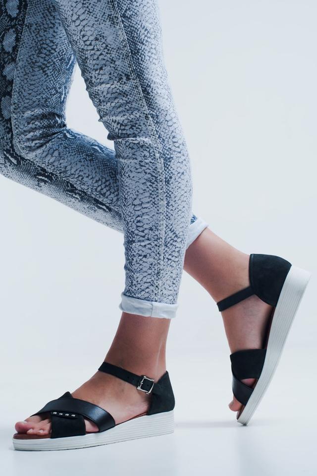 Sandales à talons fermés couleur noir