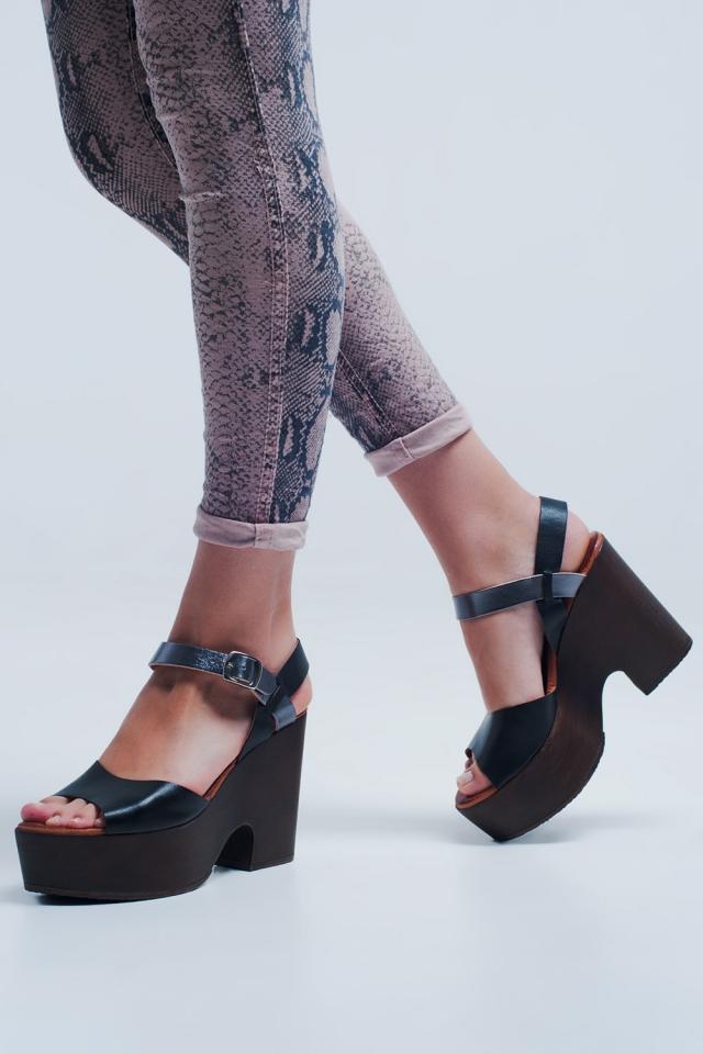Sandales noir à gros talons avec bride arrière