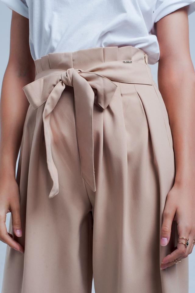 Pantalon beige large à pinces paperbag
