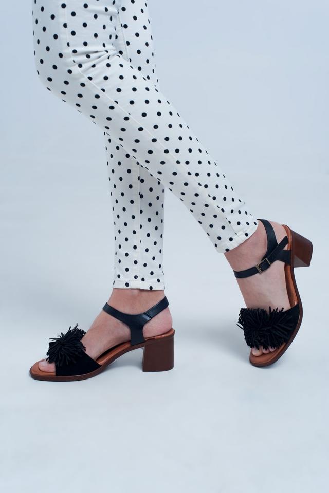 Sandales à talons hauts à volants en noir