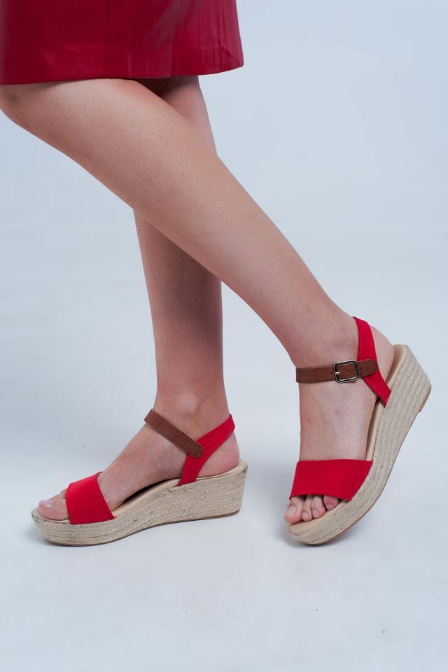 Sandales compensées style espadrilles rouge
