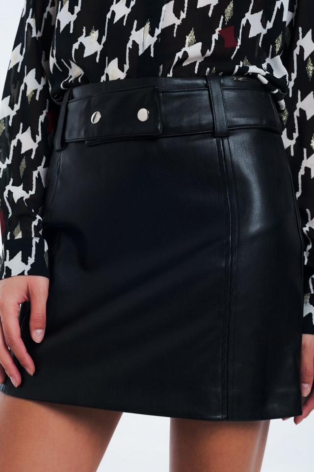 Mini jupe noire en simili-cuire
