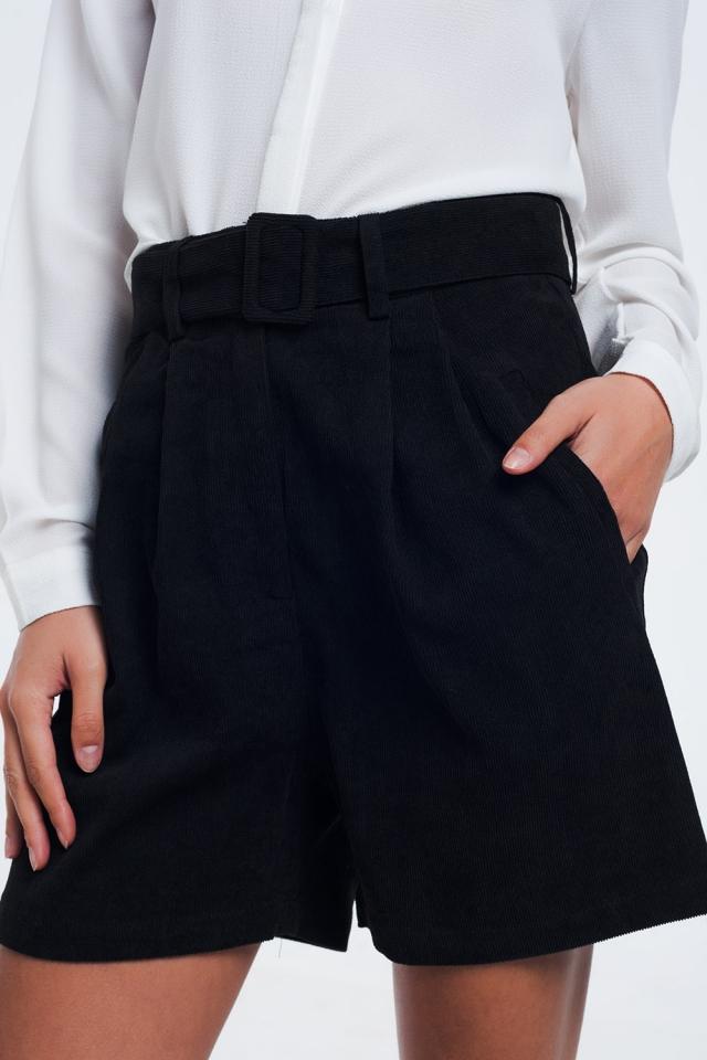 Short noir côtelé avec ceinture