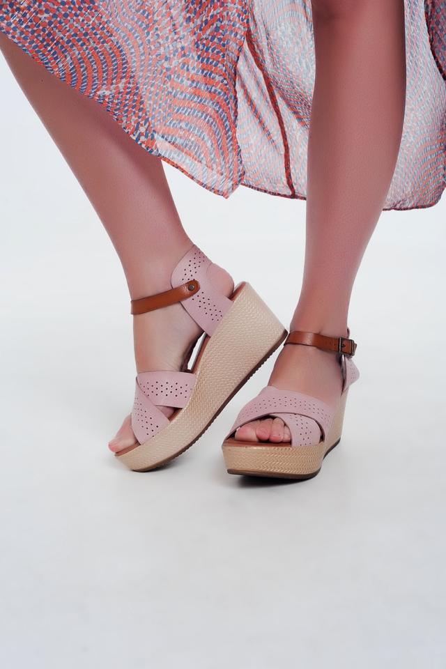 Sandales Rose montantes en cuir avec talon compensé