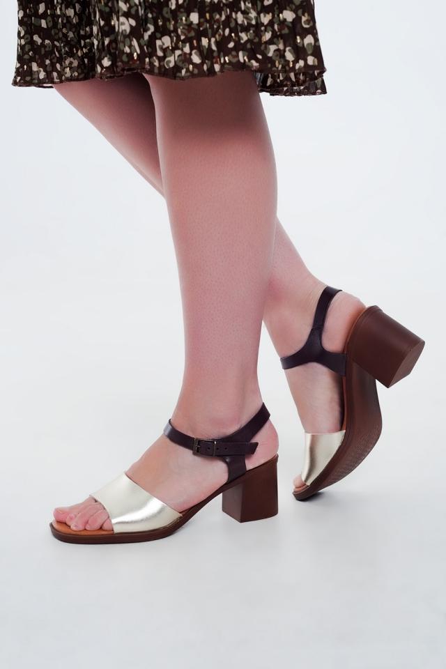 Sandales à talons carrés noué à la cheville or