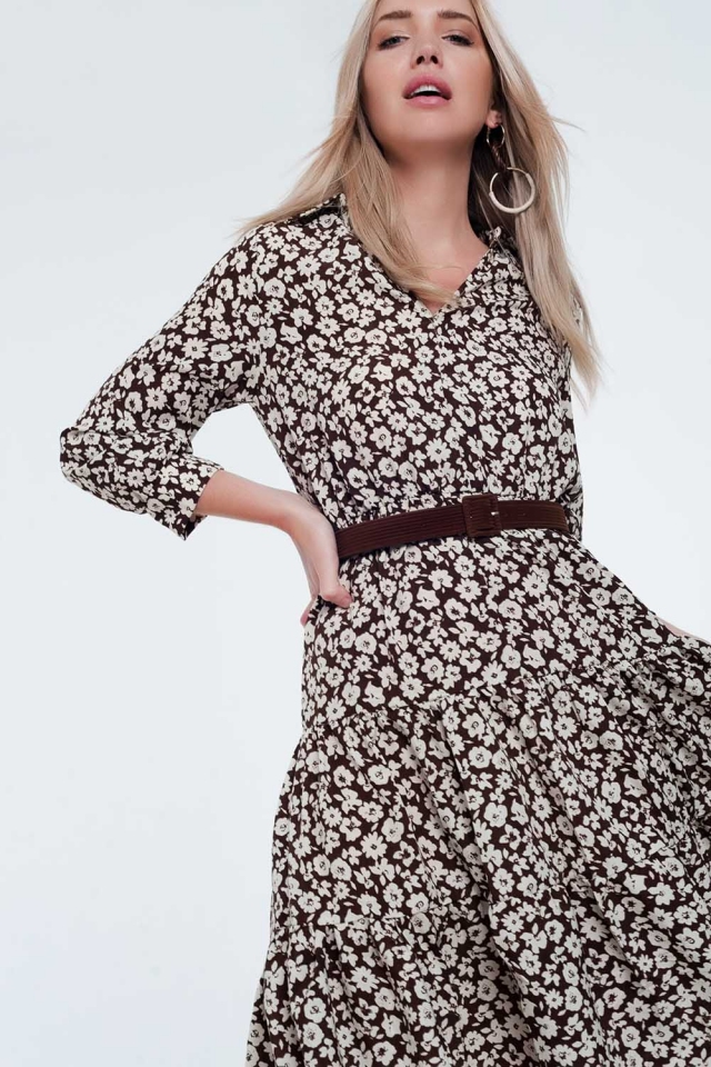 Robe mi-longue à fleurs vintage avec jupe plissée et ceinture