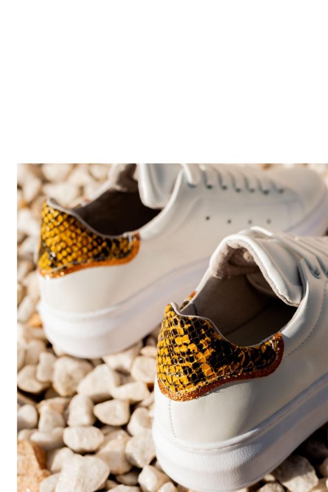 Baskets à lacets effet serpent avec bout pointu jaune