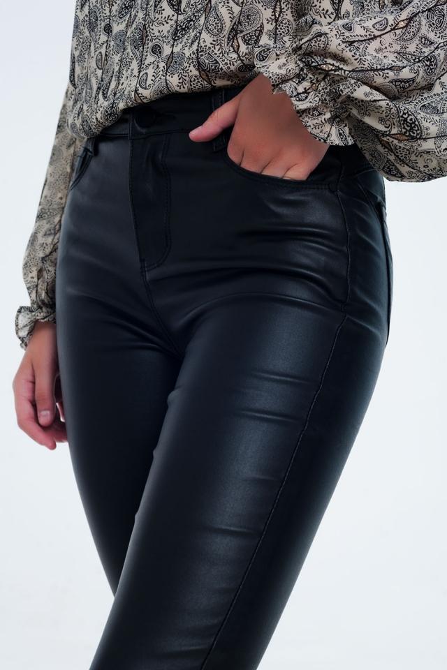 Pantalon noir ajusté à taille haute