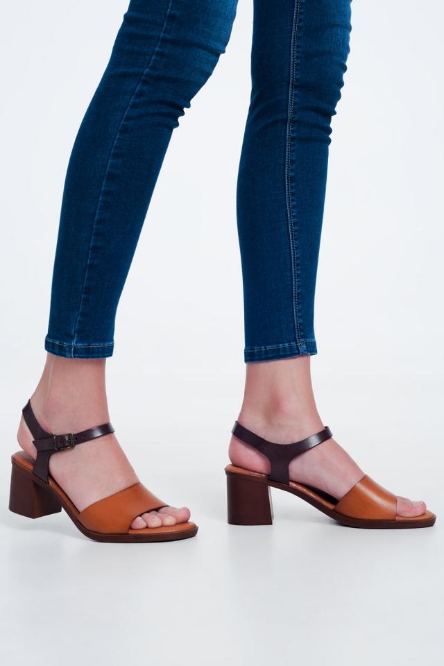 Sandales à talons carrés noué à la cheville Camel