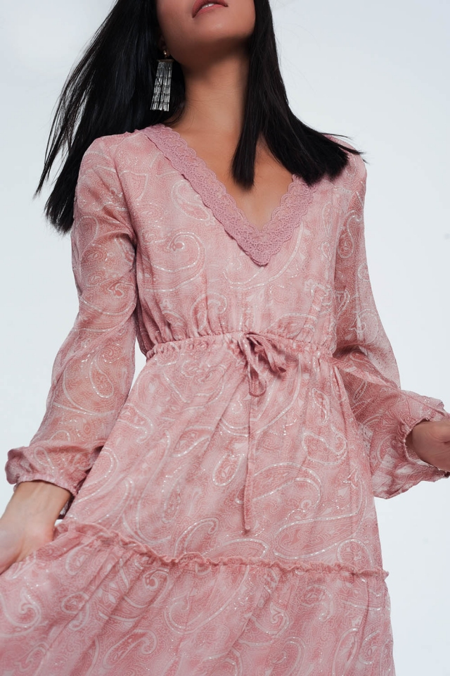 Robe babydoll longue à motif cachemire avec manches volumineuses en rose