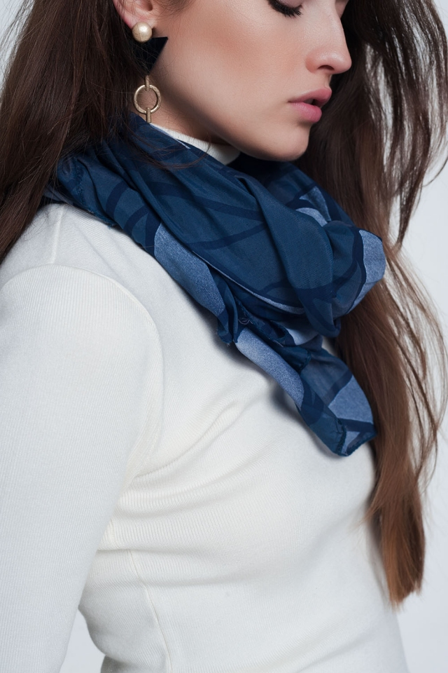 Foulard bleu avec imprimé abstrait