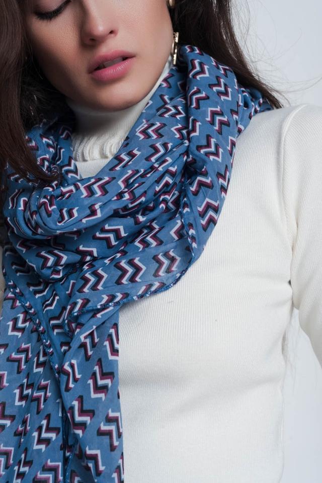 Foulard bleu avec imprimé