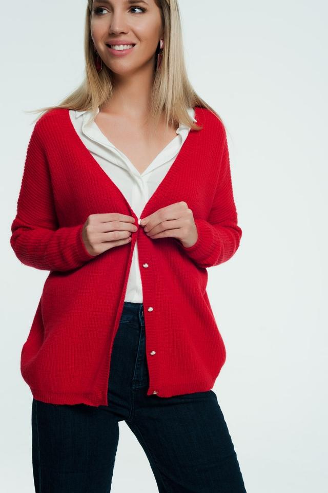 Cardigan rouge boutonné sur le devant avec boutons perles