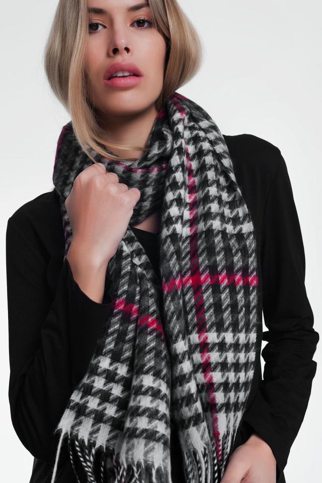 Foulard avec motif à carreaux noir