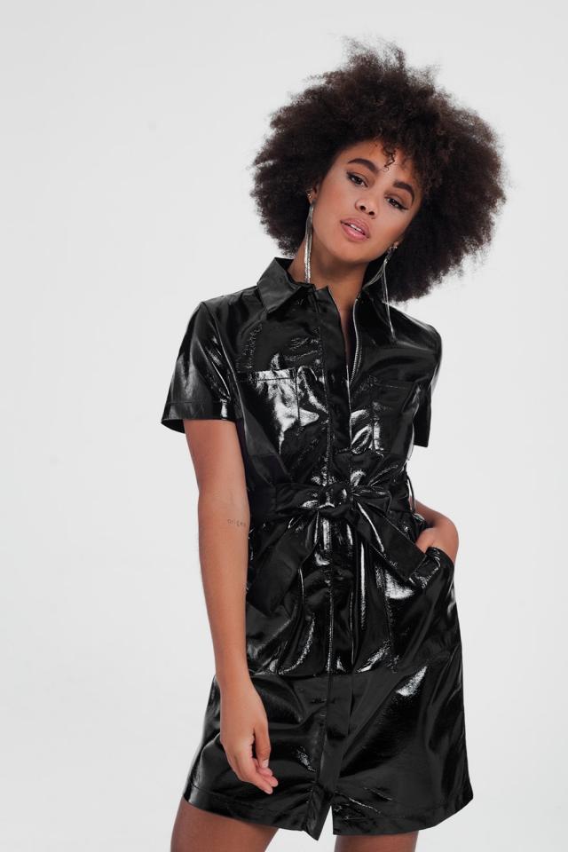 Robe courte style fonctionnel en PU à manches courtes Noir