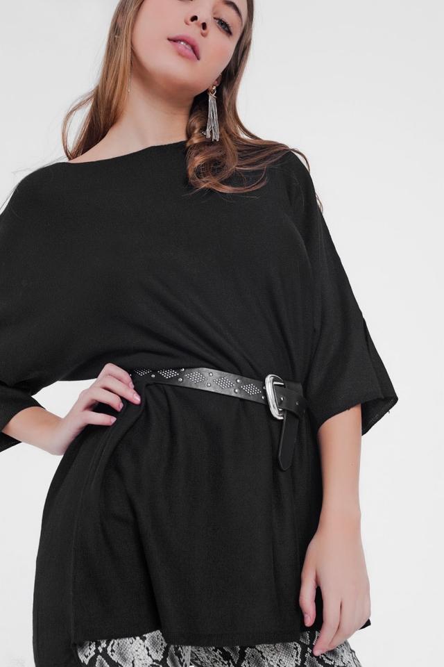 pull noir oversize et manches courtes
