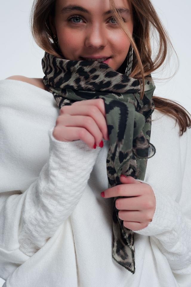 Écharpe longue imprimé léopard kaki
