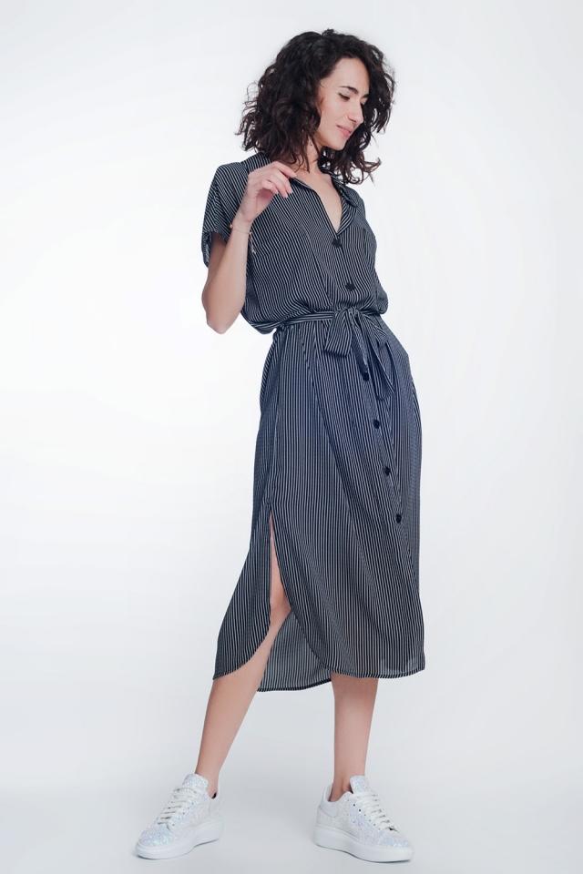 Robe chemise noir à rayures avec ceinture