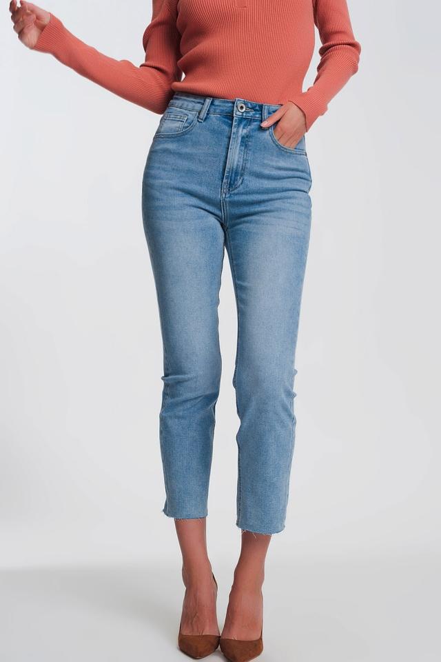 Jean droit bleu clair avec ourlet brut
