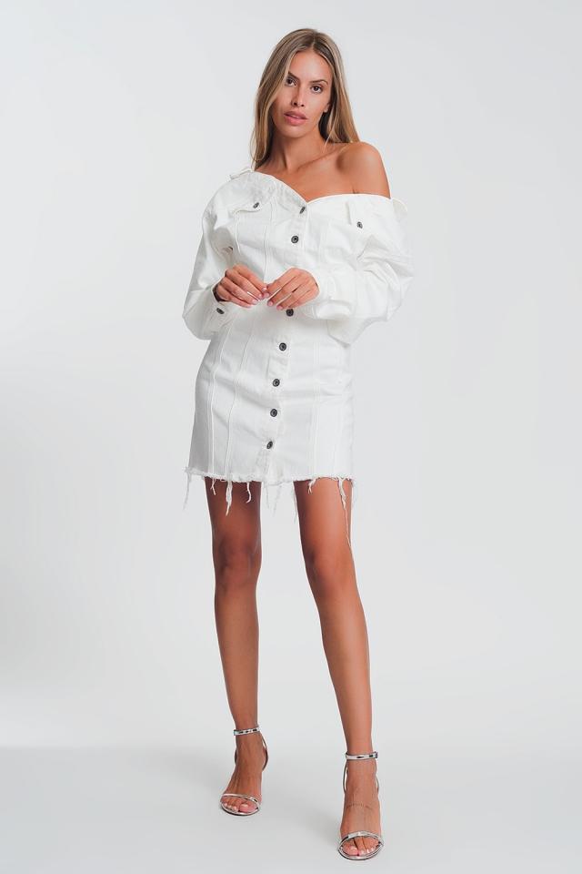 Robe veste courte en denim souple con avec col en V profond et ourlet brut en Blanc