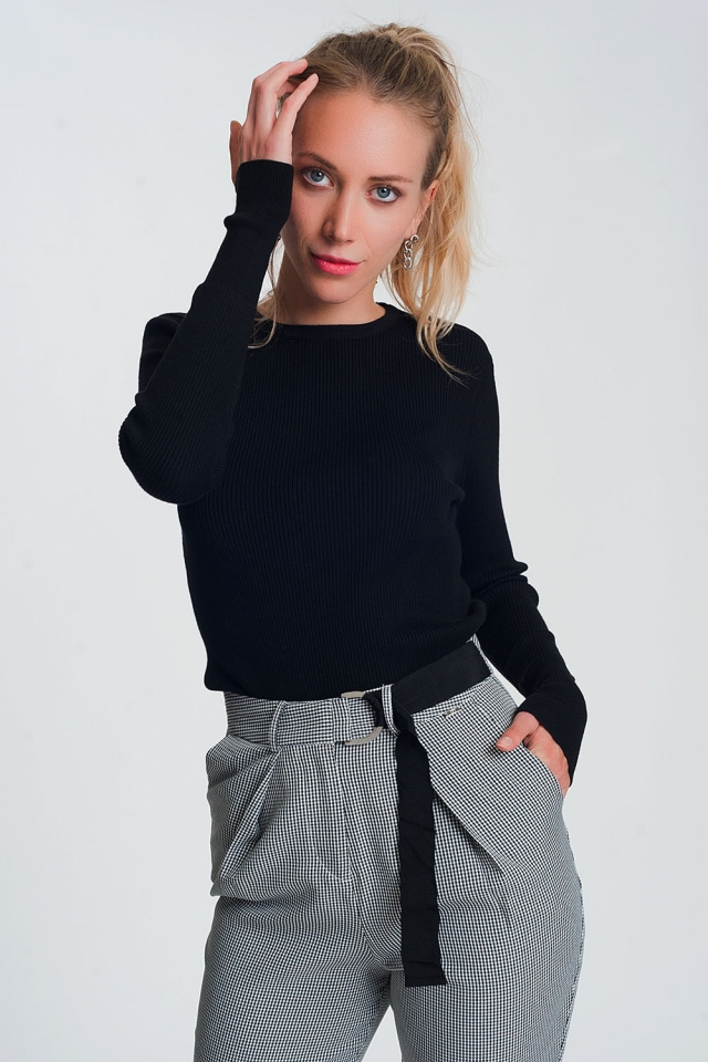 Fitted jumper in black rib knit