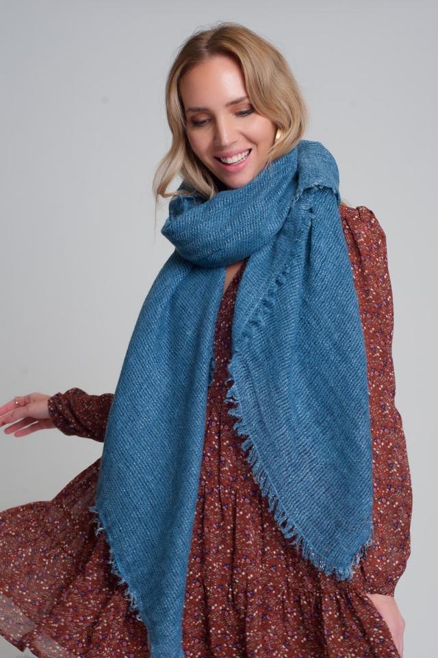 Écharpe tricotée légère en bleu